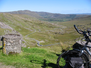 Hypnotherapist Louis Eyres on his bike tour for charity